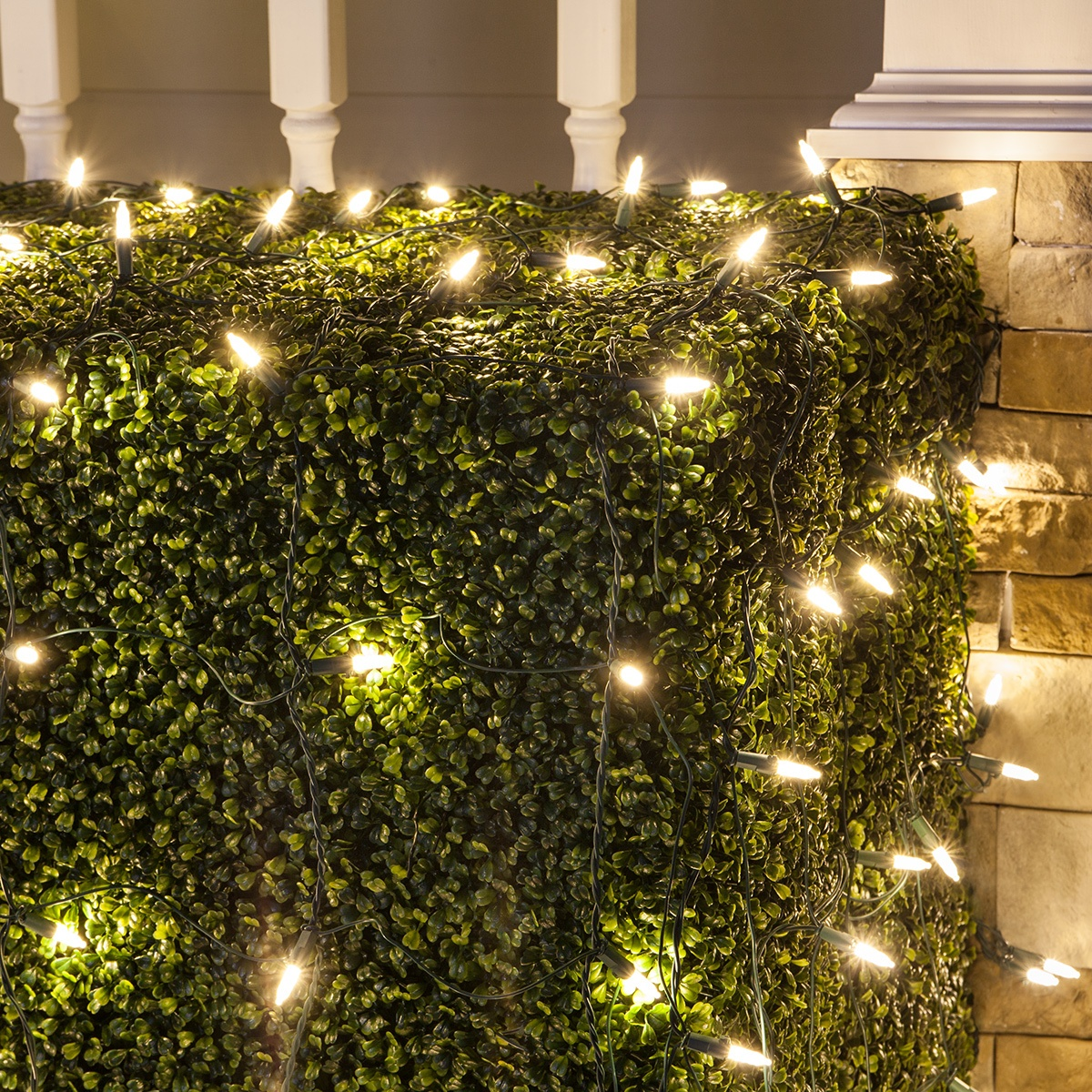 4\' x 6\' M5 LED Net Lights, Warm White, Green Wire - Yard Envy