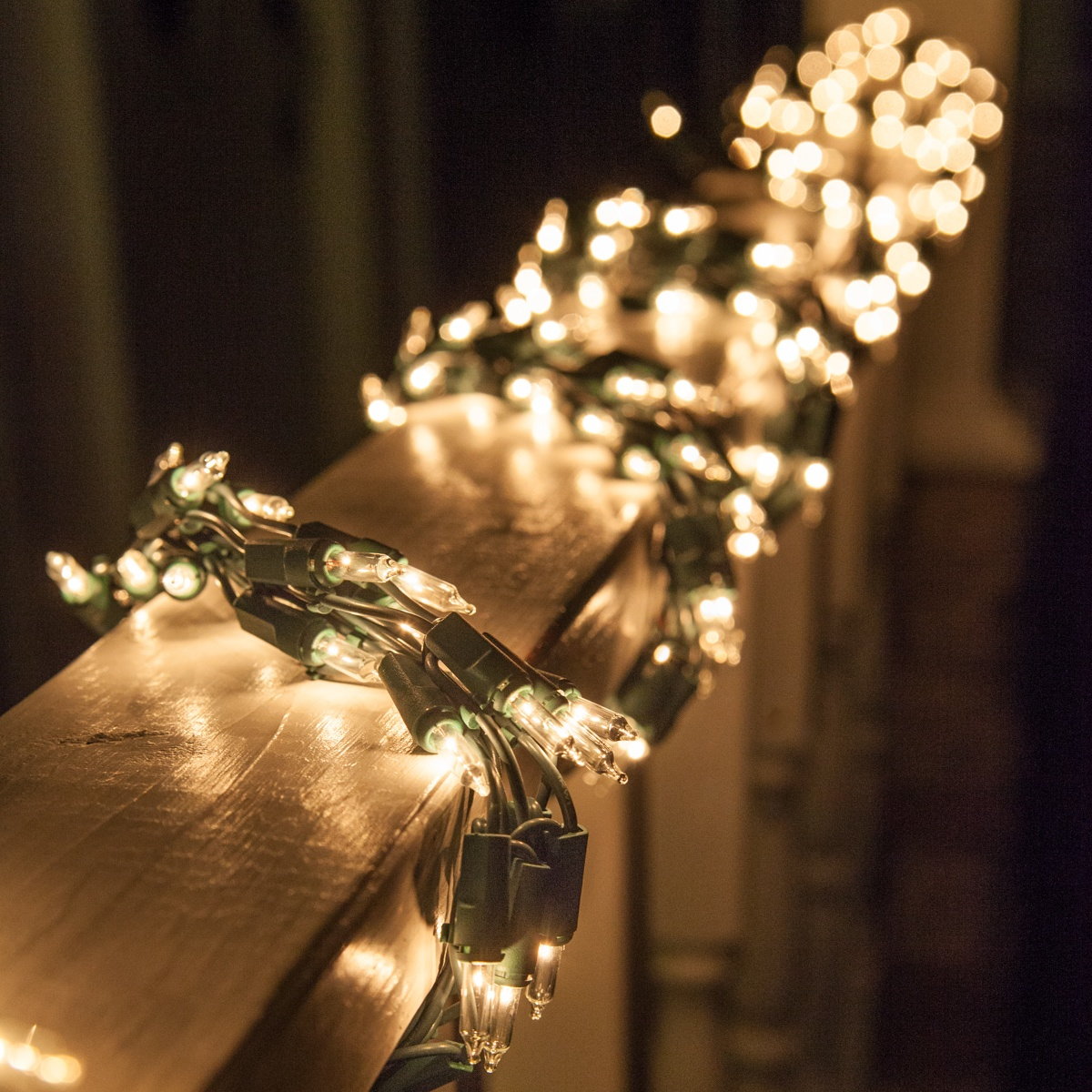 9 Garland Lights 300 Clear Lamps Green Wire Yard Envy